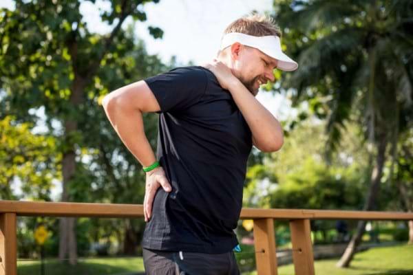 Sportul iti da dureri de spate? Ce faci gresit si cand sa apelezi la medic