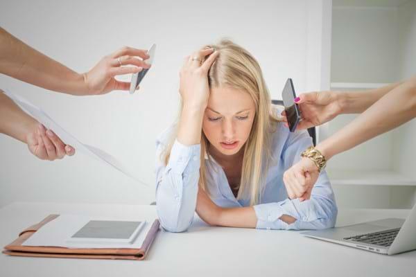 Cele 12 stadii ale burnout-ului, descrise de psihologi