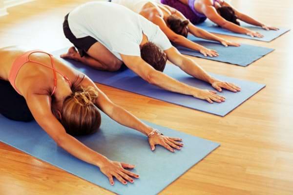 Studiu: Yoga amelioreaza durerile lombare