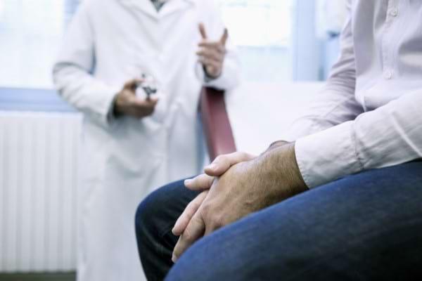 Terapia de prima linie a cancerului de prostata metastatic hormonosensibil - Un singur standard terapeutic?