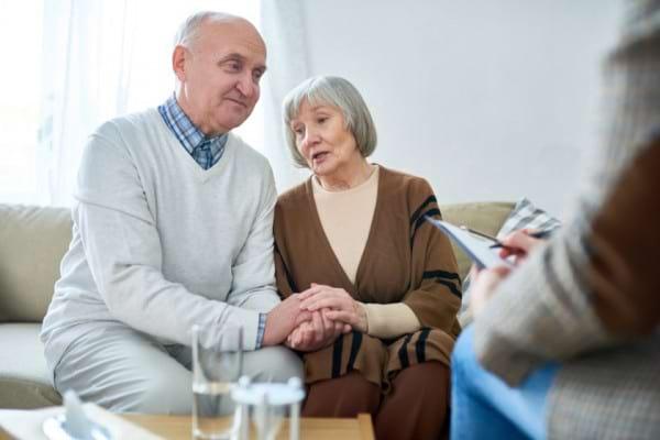 Terapia cognitiv-comportamentala, utila pentru a reduce durerea de genunchi [studiu]