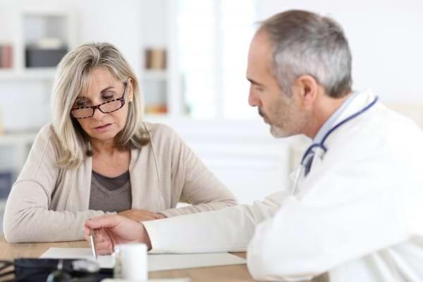 Cancerul de sân poate fi învins. Află cum te ajută testele genetice în alegerea celui mai potrivit tratament pentru tine