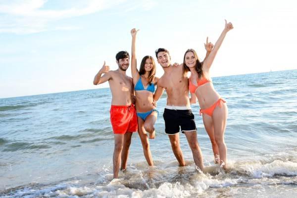 Prea mult soare: adolescentii si tinerii, vulnerabili in fata radiatiilor UV