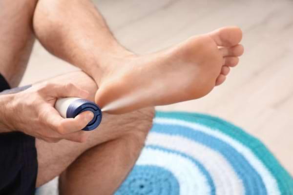 Transpirație excesivă (hiperhidroza) la picioare și tălpi - Cum scapi de mirosurile neplăcute