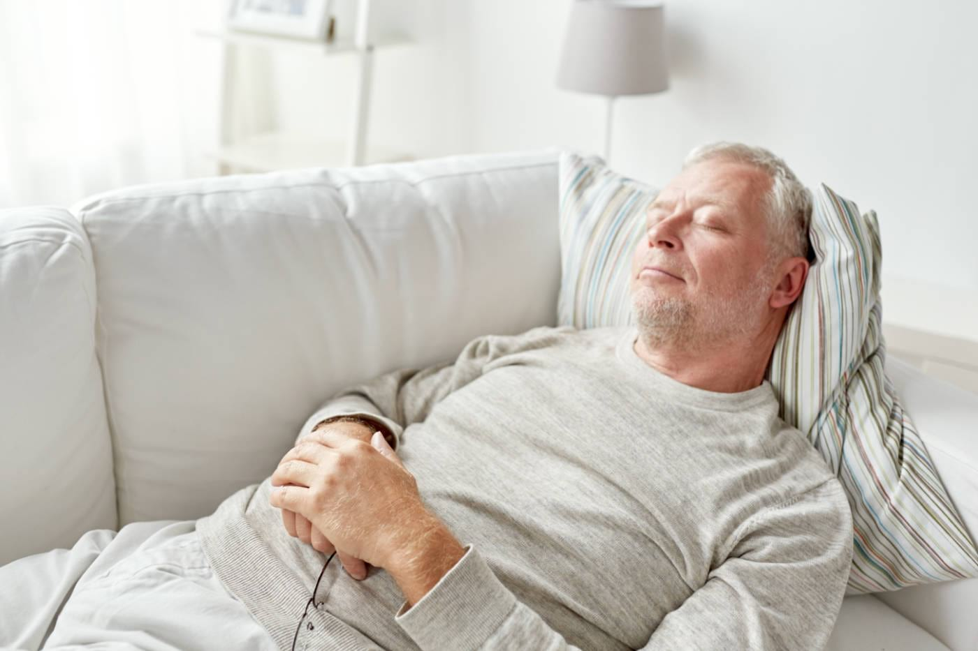 Somnul de după-amiază ar putea să scadă tensiunea arterială [studiu]