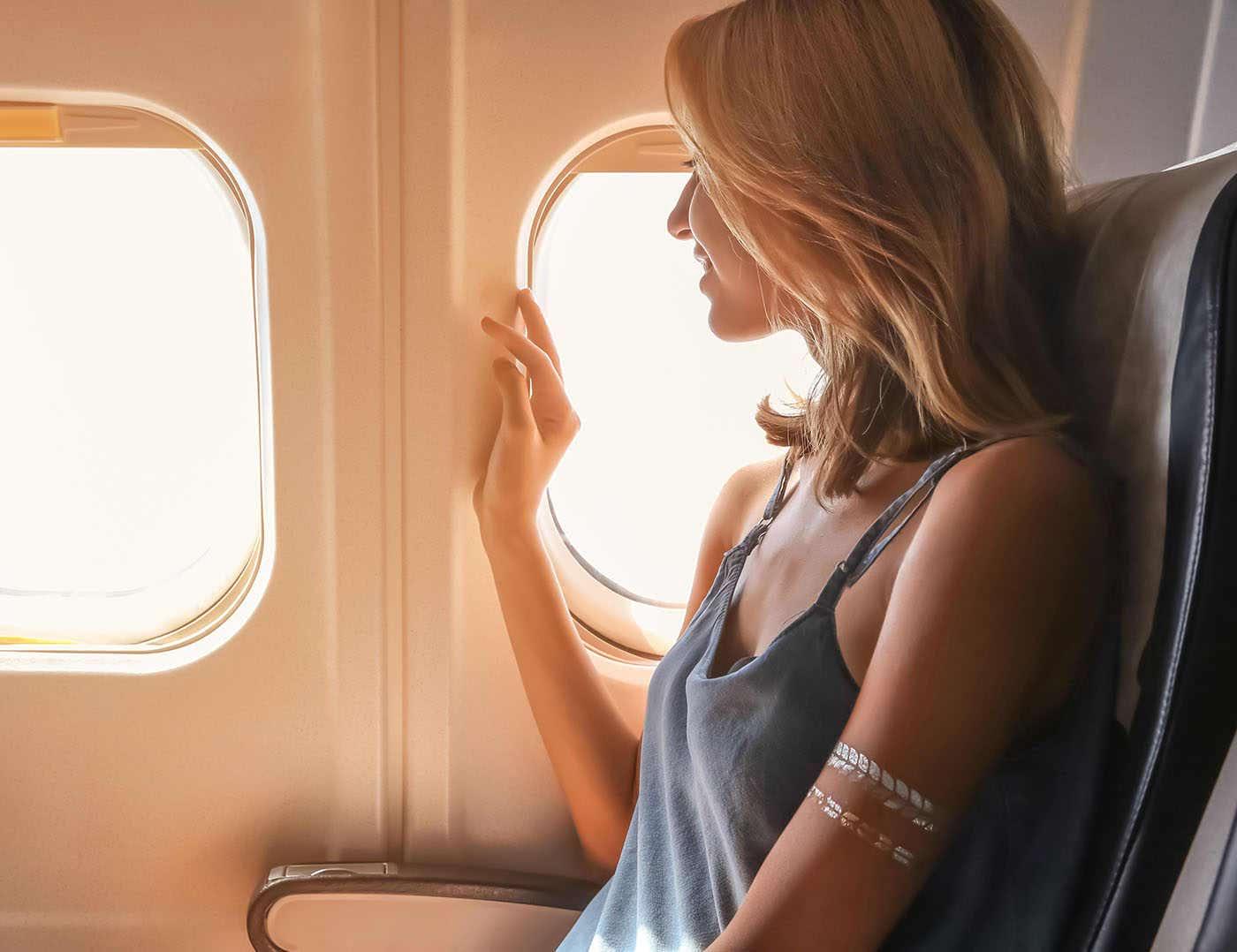 7 sfaturi de urmat pentru a nu te îmbolnăvi când zbori cu avionul