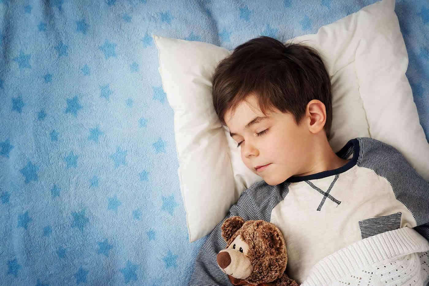 Copiii tăi dorm suficient? Un nou test de sânge ar putea deține răspunsul [studiu]