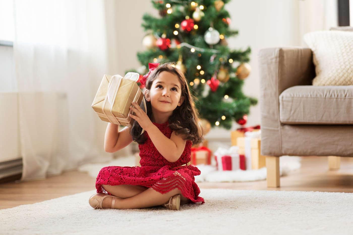 Cum îi vorbești copilului despre Moș Crăciun