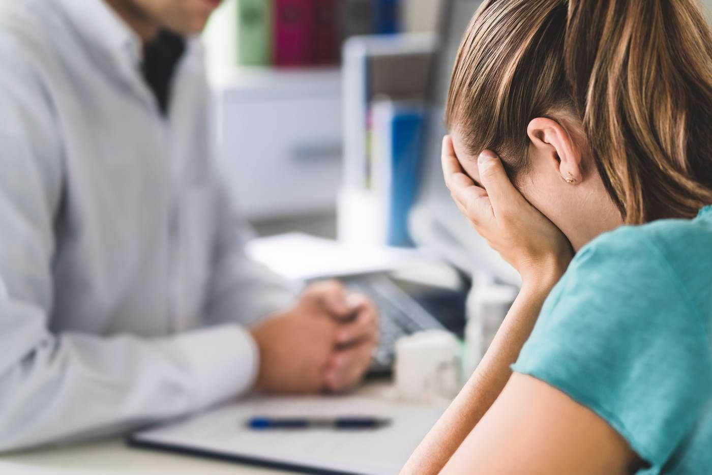 Cum poți să faci față anxietății dacă suferi de colită ulcerativă