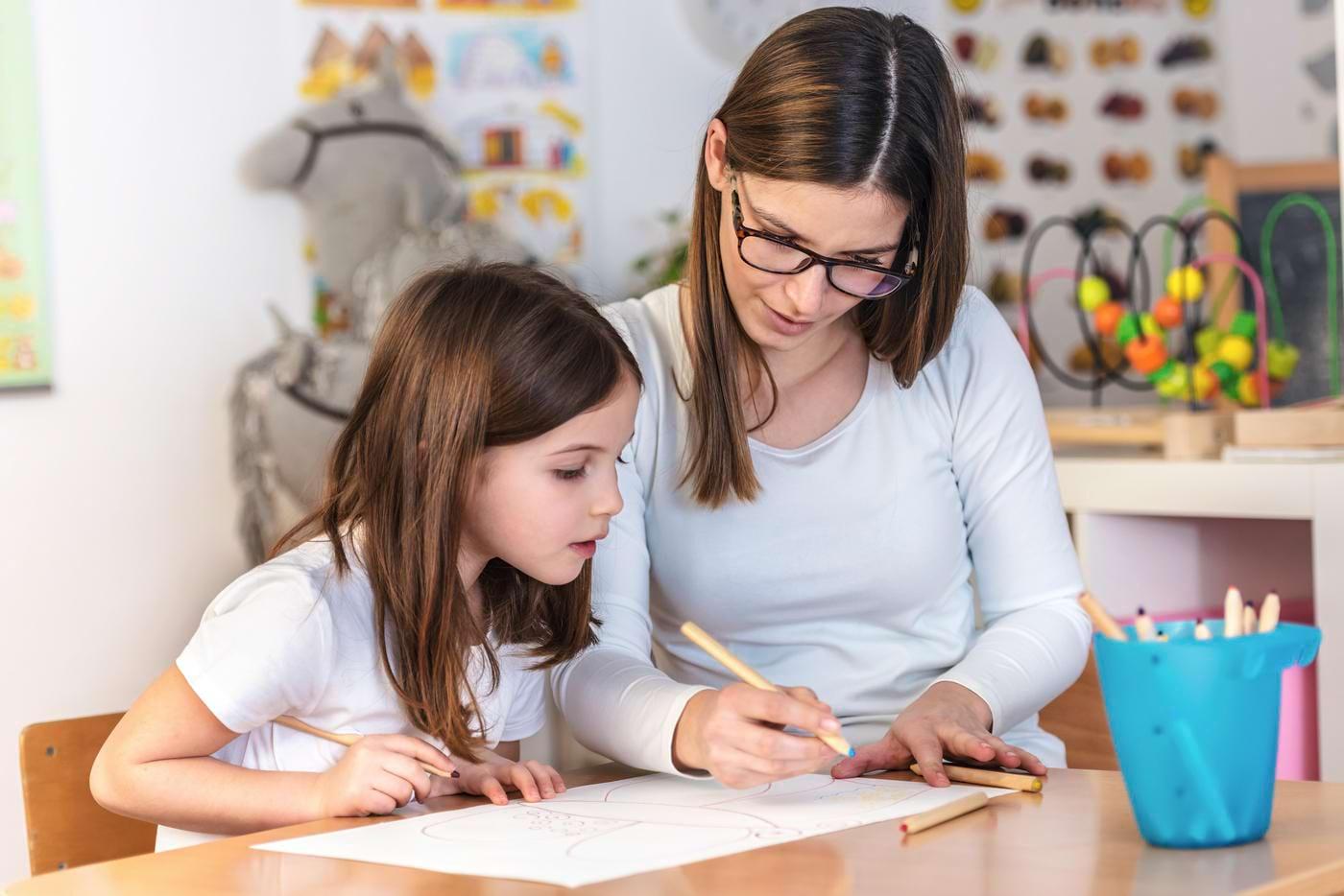 Copiii, mai buni decât adulţii în unele situaţii de învăţare [studiu]