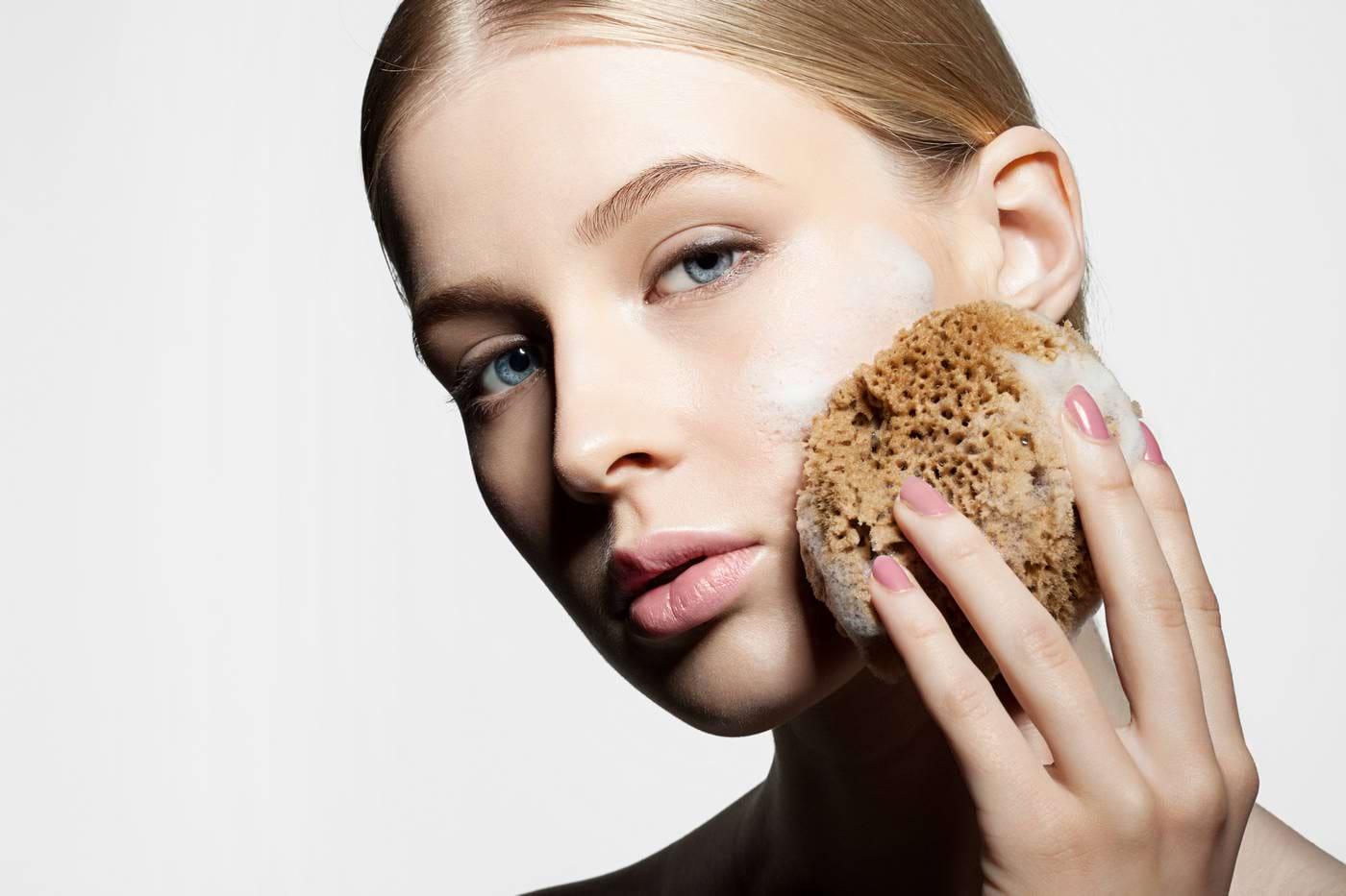 Exfolierea tenului: beneficii pentru sănătatea și frumusețea pielii
