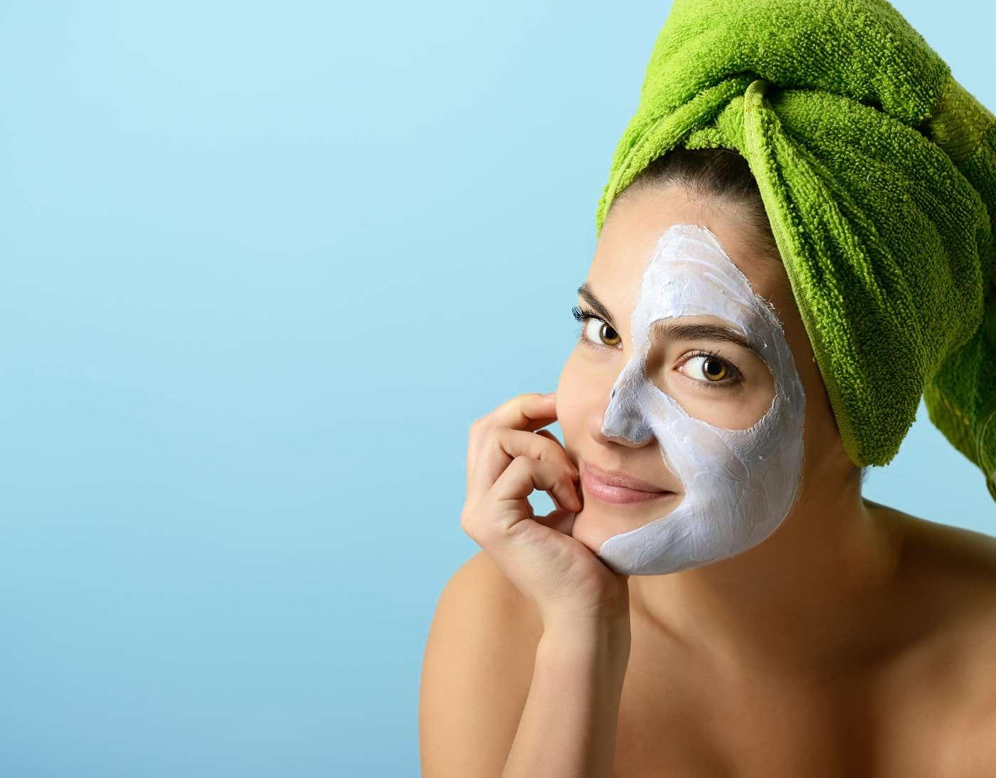 Măștile purificatoare - ce ingrediente îți curăță eficient tenul