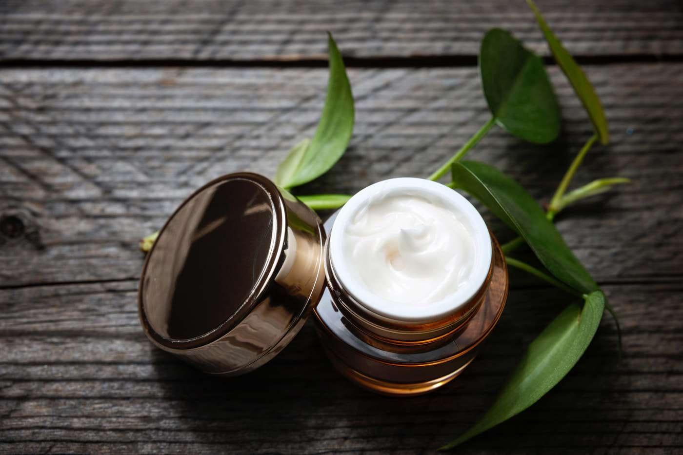 Totul despre cosmeticele organice și bio: ingrediente și beneficii ale produselor naturale