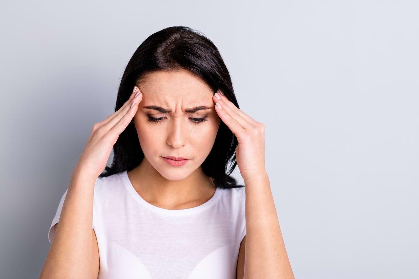 Care este legătura dintre anxietate și durerile de cap