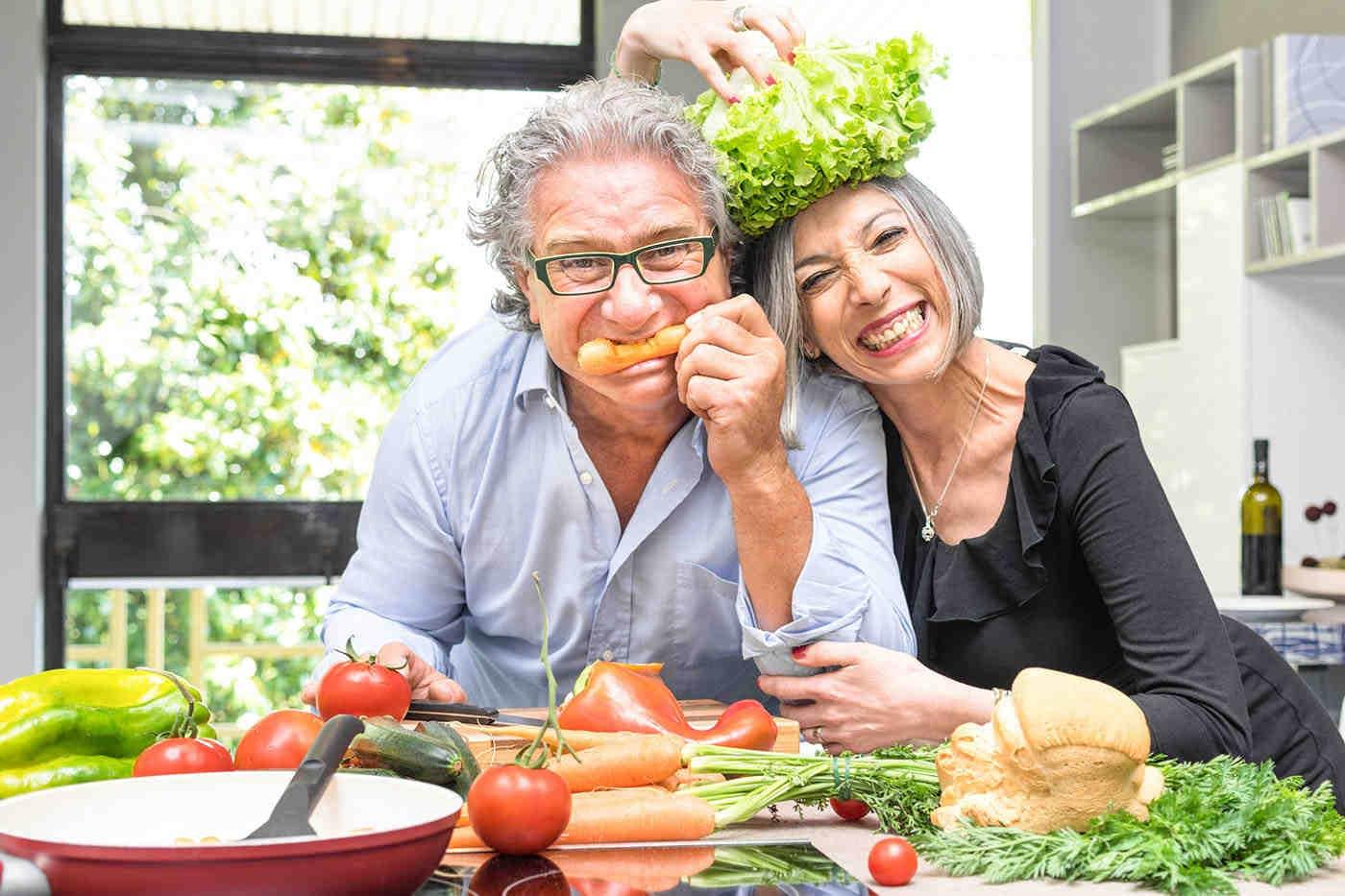 Tensiunea arterială scade cu o dietă bazată pe fructe și legume [studiu]