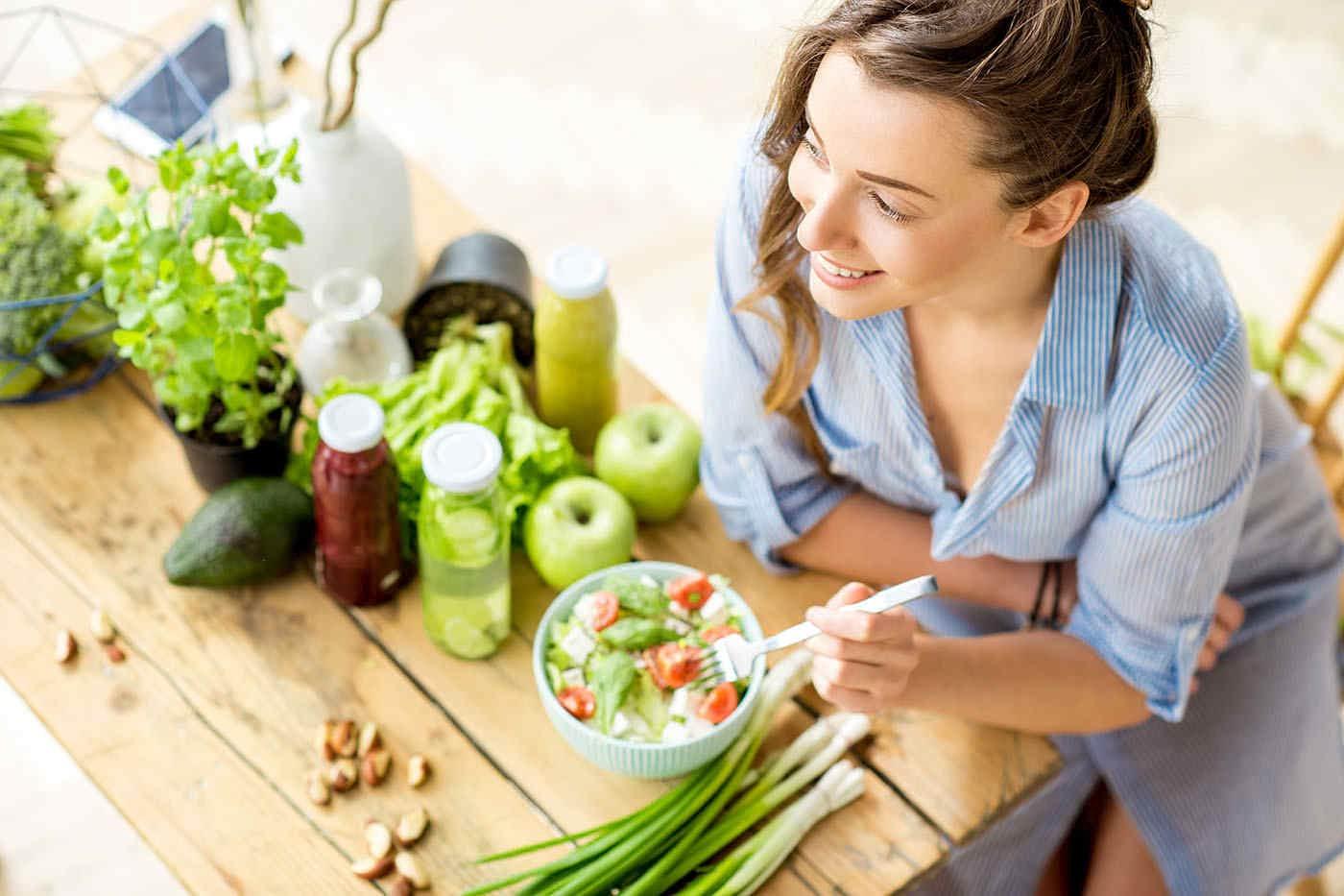 Dieta raw-vegană: ce beneficii și ce riscuri are
