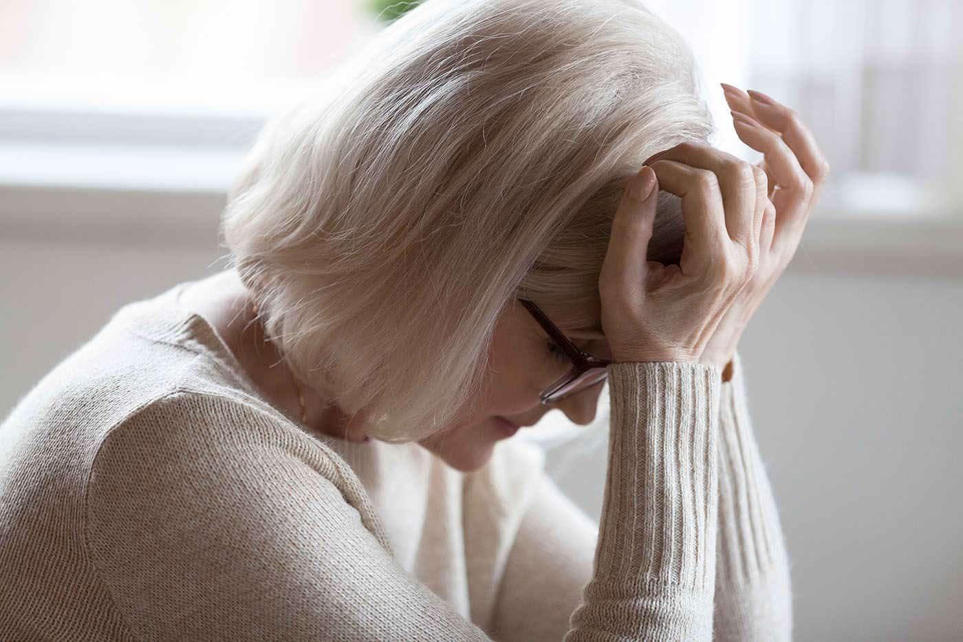 Femeile care se confruntă cu simptome severe la menopauză prezintă un risc mai mare de AVC [studiu]