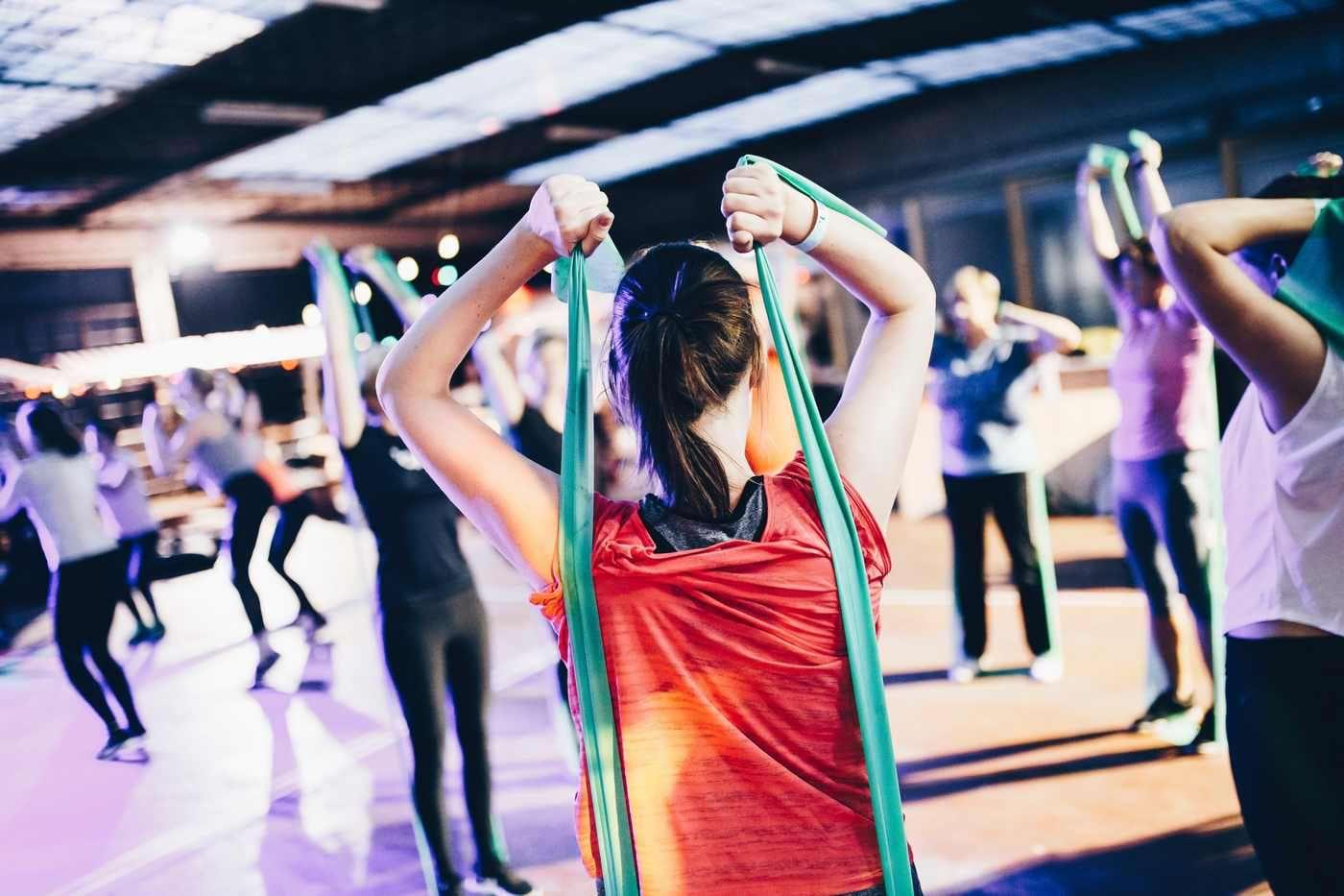 Antrenamentul cu greutăți - ce beneficii are pentru sănătate