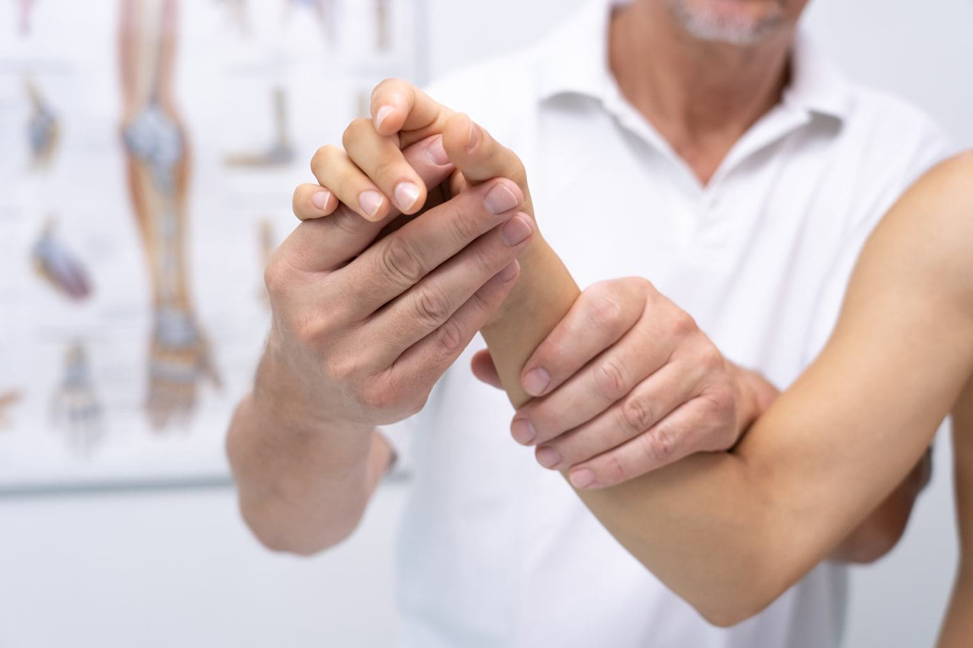 Noutati in tratamentul artrozei: managementul durerii si redarea mobilitatii