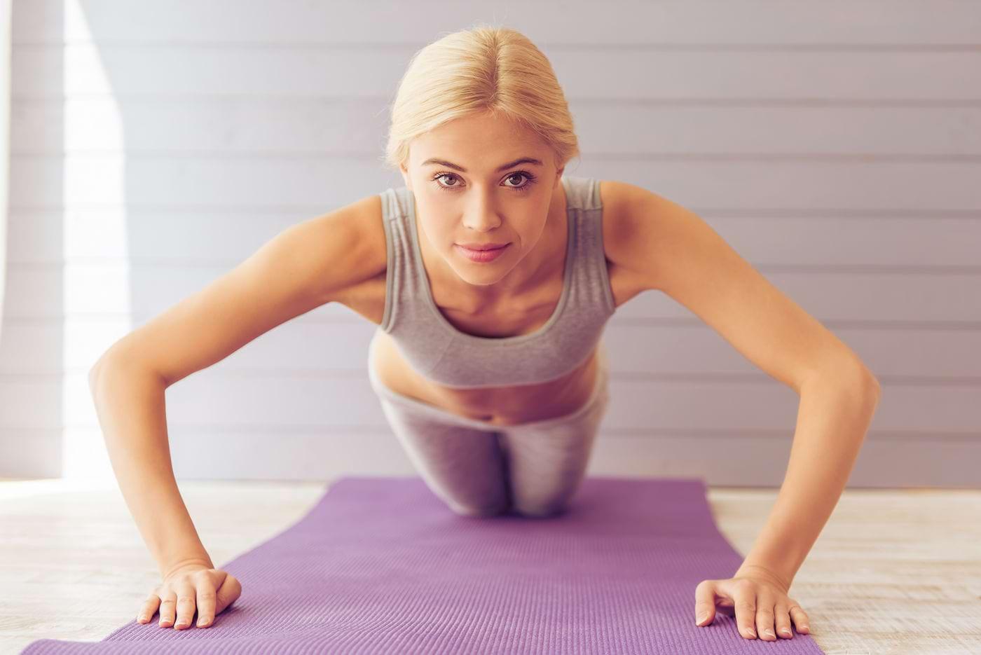 Ce exerciții poți face pentru a scăpa de colăceii din jurul taliei?