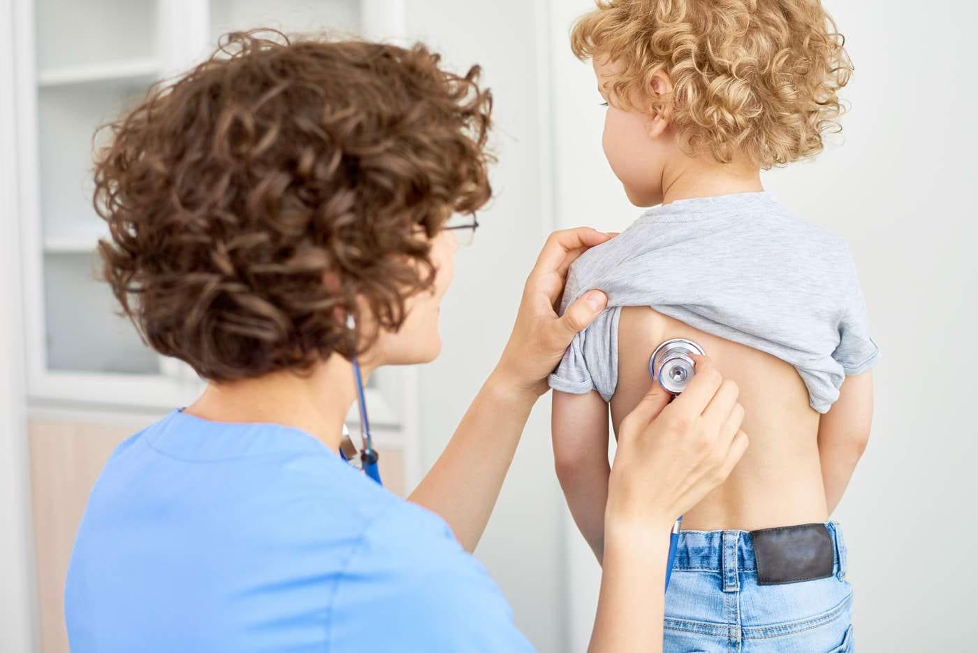 Cum recunoști pneumonia la copii