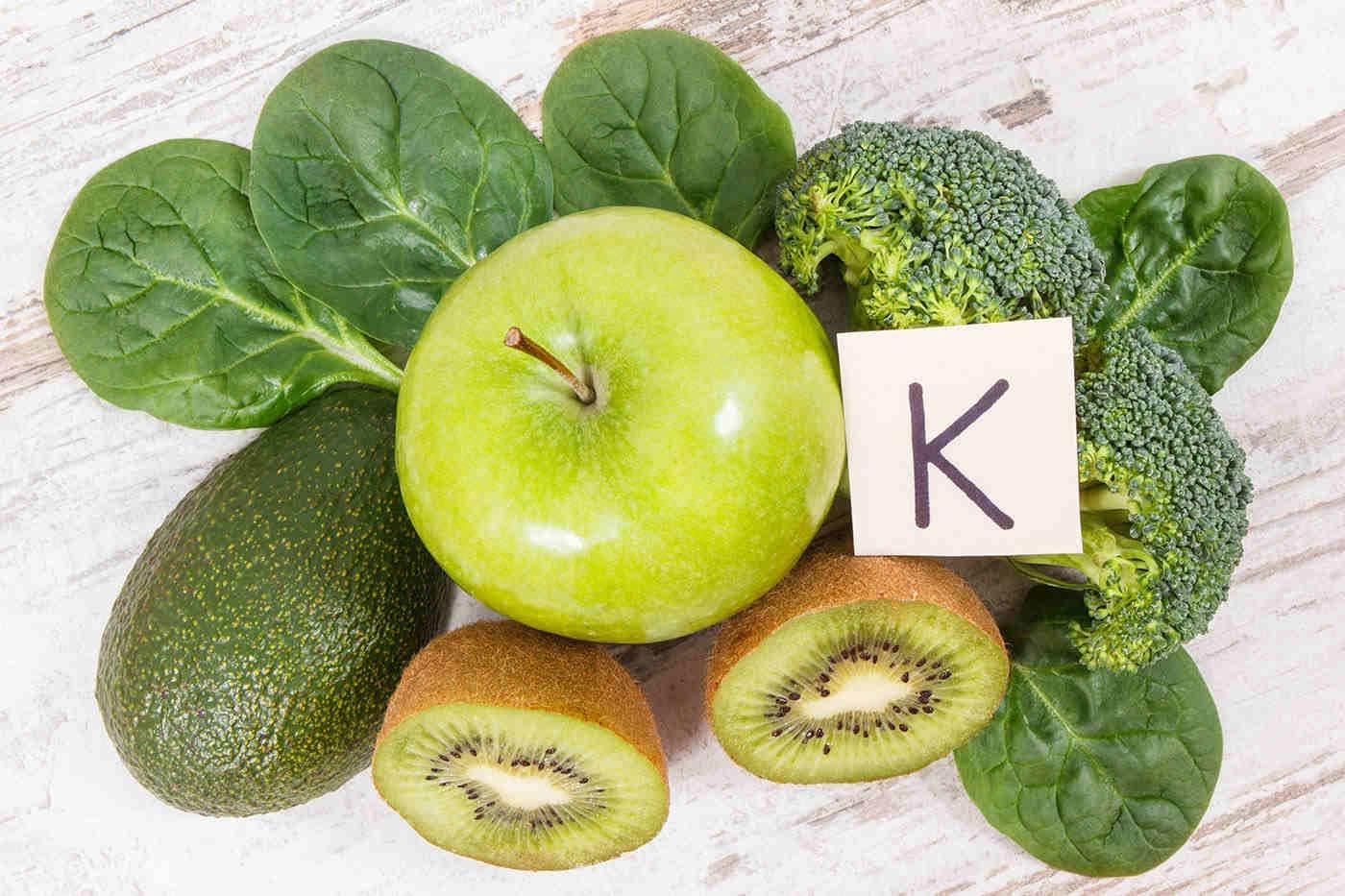 Vitamina K, asociată cu o viață mai lungă [studiu]