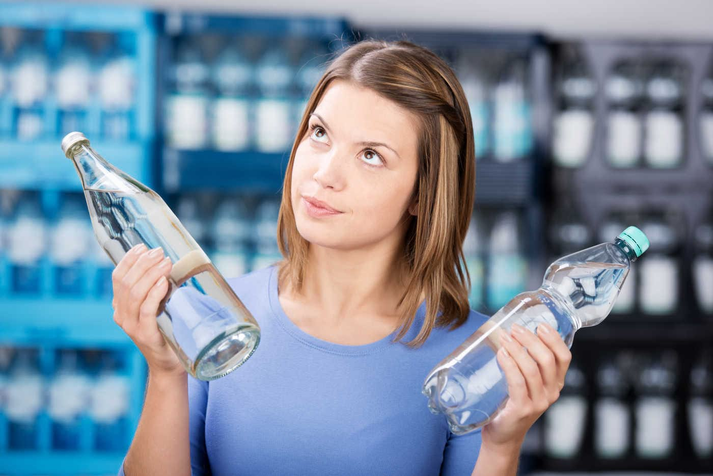 Apa minerală carbogazoasă: când trebuie evitată