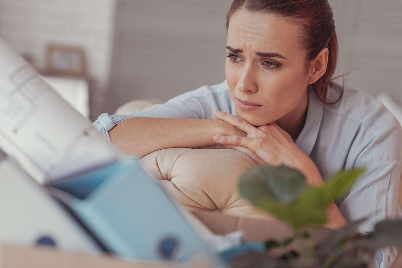 Depresia și stresul posttraumatic, cauze ale detașării emoționale
