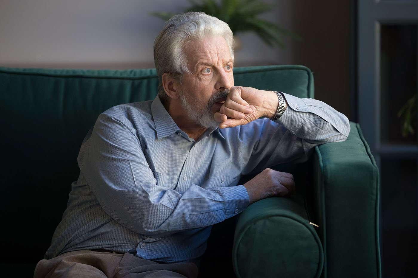 Gândirea negativă persistentă crește riscul de Alzheimer [studiu]