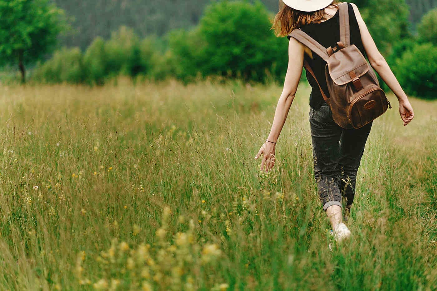 Meditația în timpul mersului: ce beneficii are