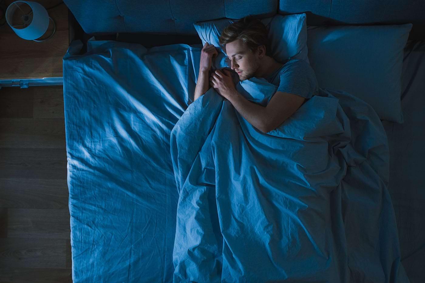 Cum să adormi mai repede la loc când te trezești noaptea