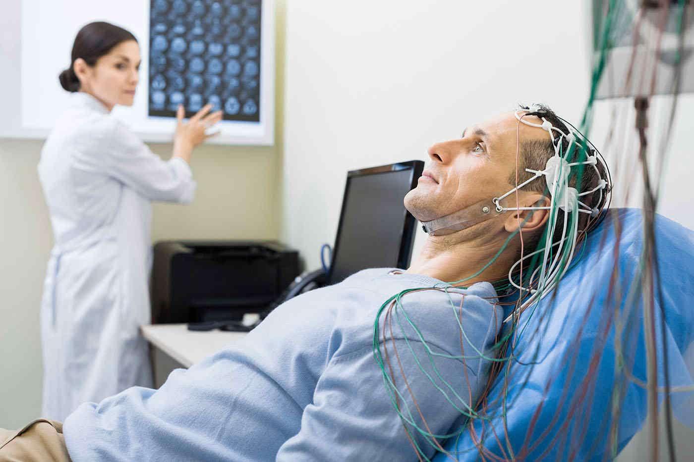 Electroencefalograma (EEG): ce presupune și când se recomandă