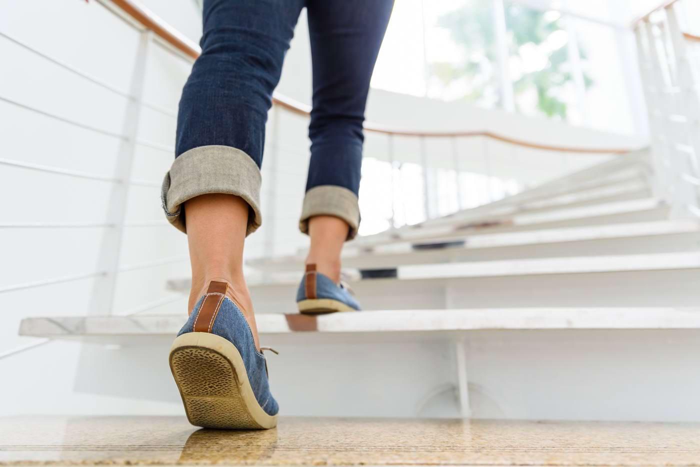 Mersul pe jos zilnic poate reduce riscul de diabet și hipertensiune [studiu]