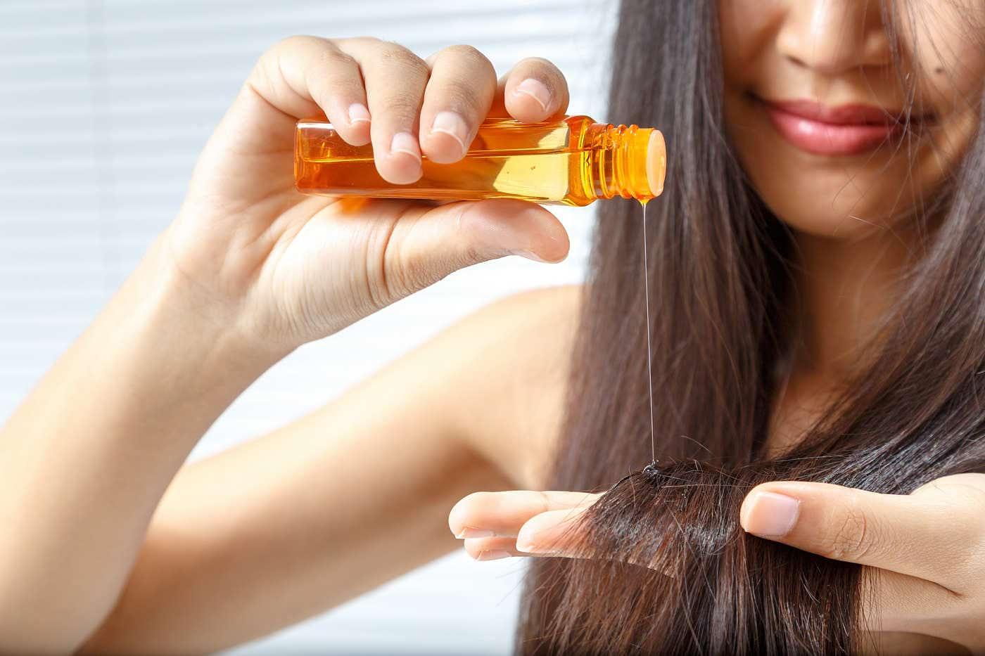 Detox pentru păr: măști și uleiuri de folosit în această primăvară