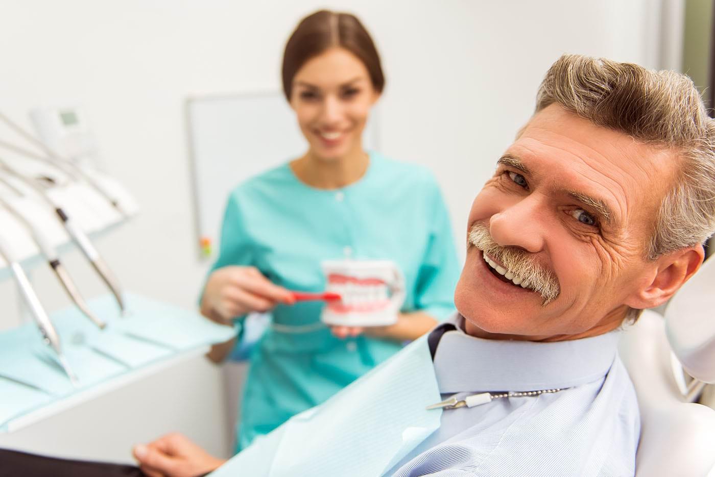 Implantul dentar - cât este de dureros și ce să faci după intervenție