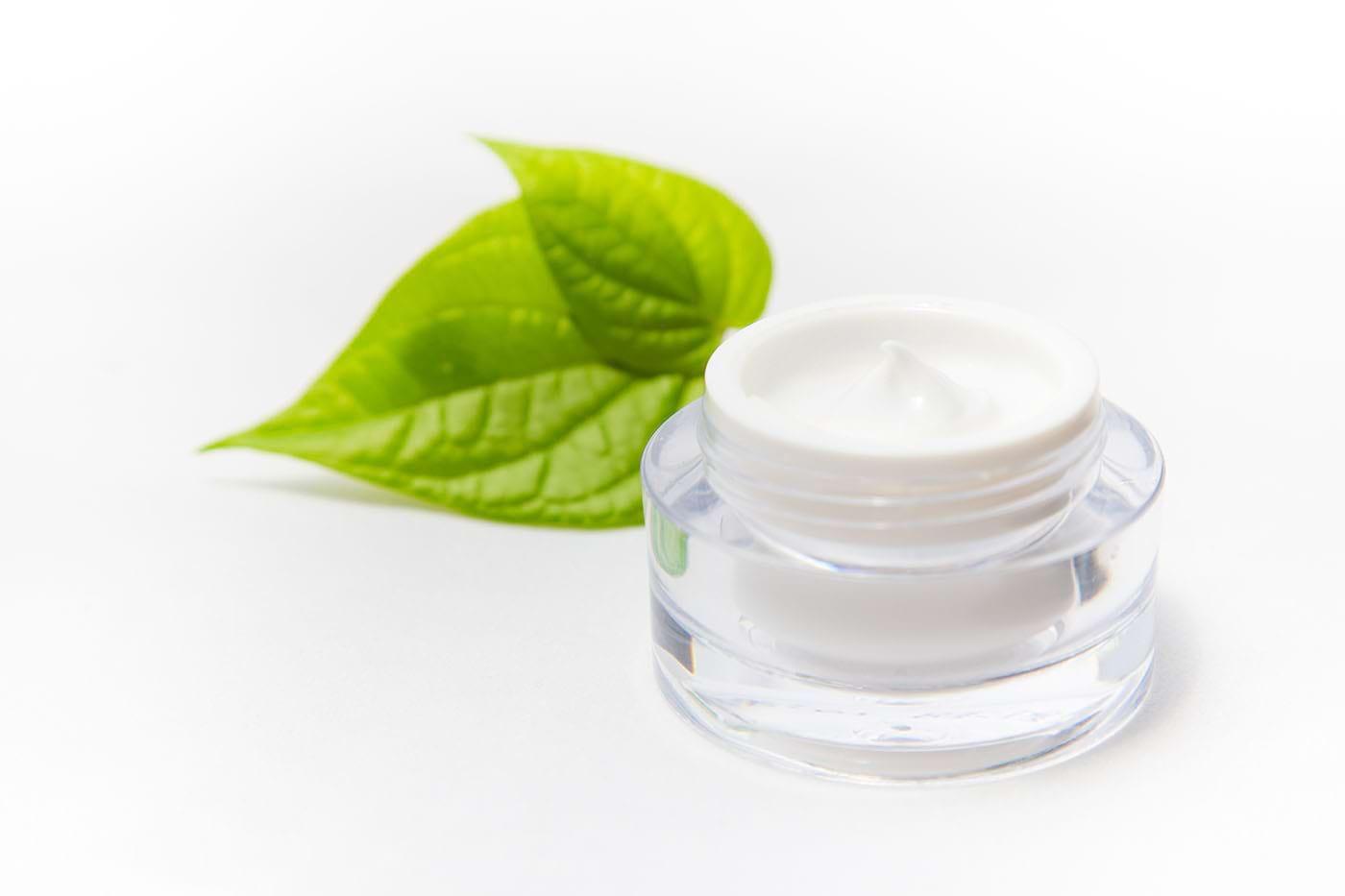 Produsele organo-cosmetice și cosmedible: cum le alegi pe cele care-ți fac bine