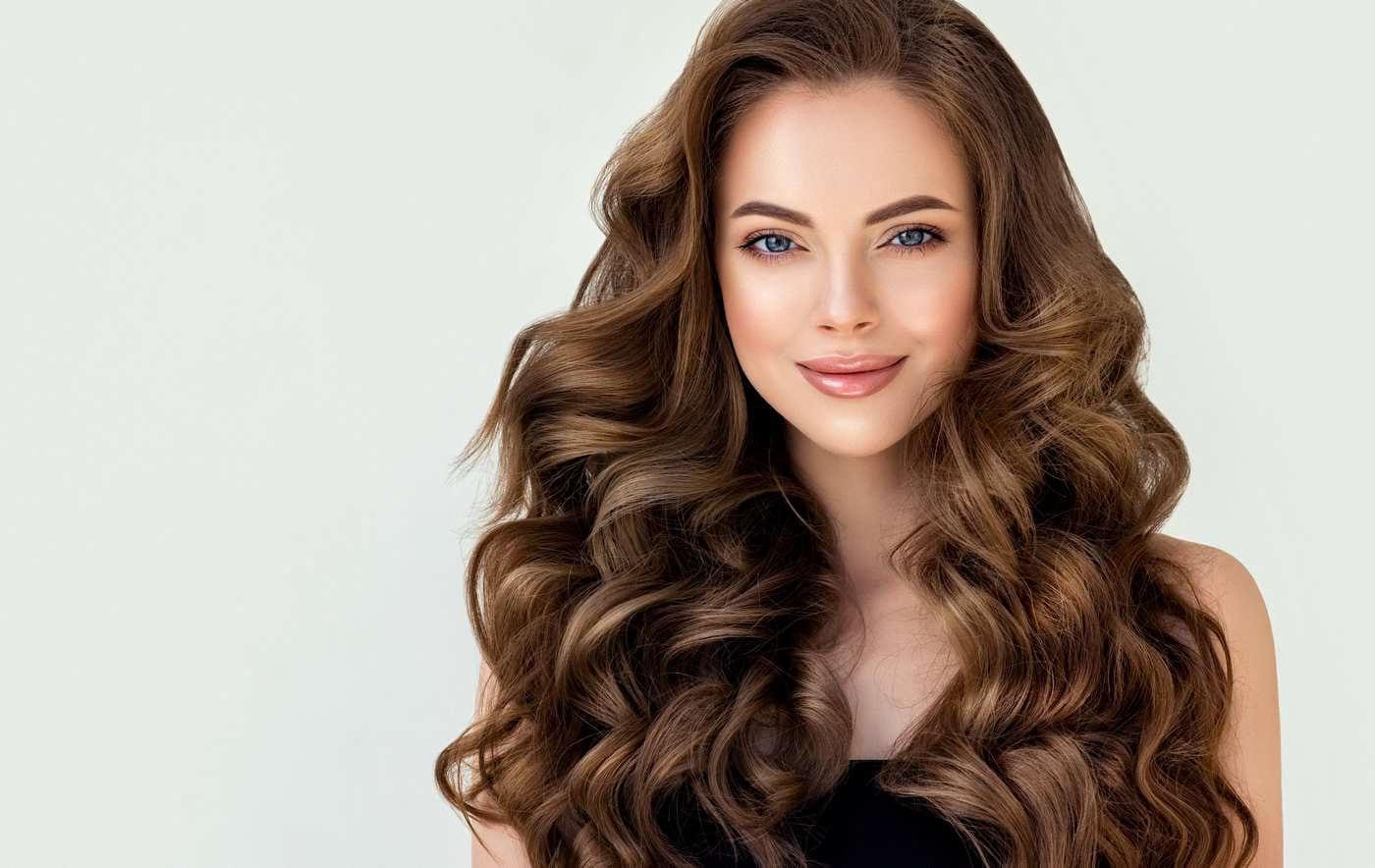 Soluții pentru un păr mai suplu și mai ușor de coafat