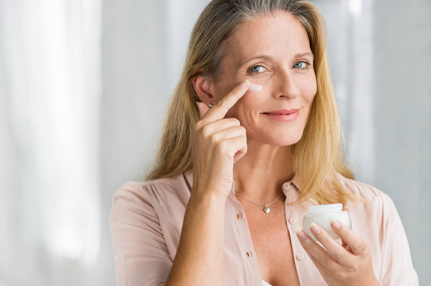 5 ingrediente esențiale în cremele antirid