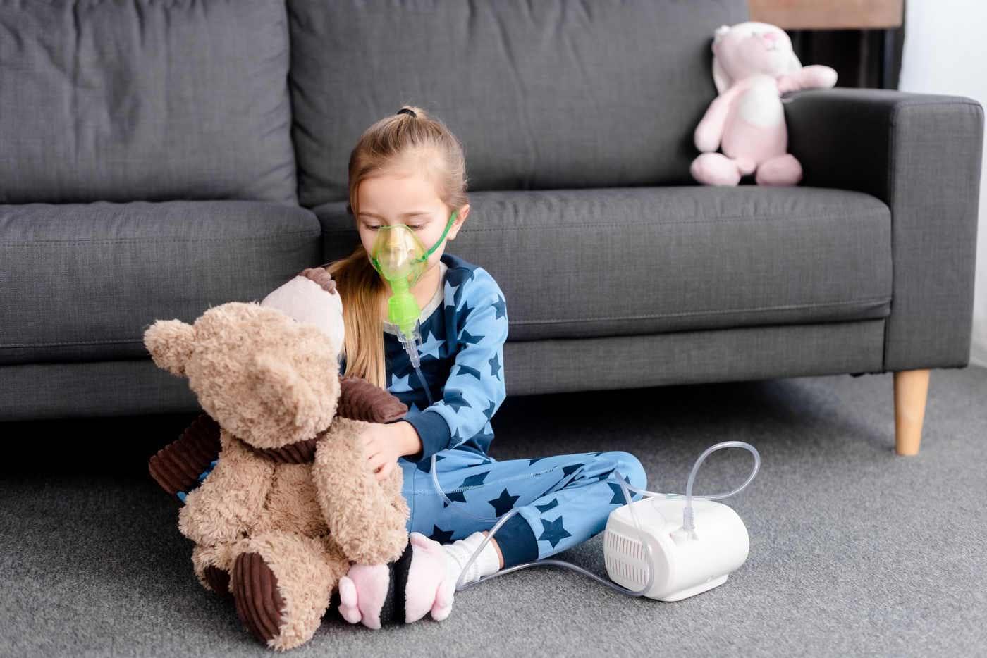Cum se folosește corect aparatul de aerosoli la copii