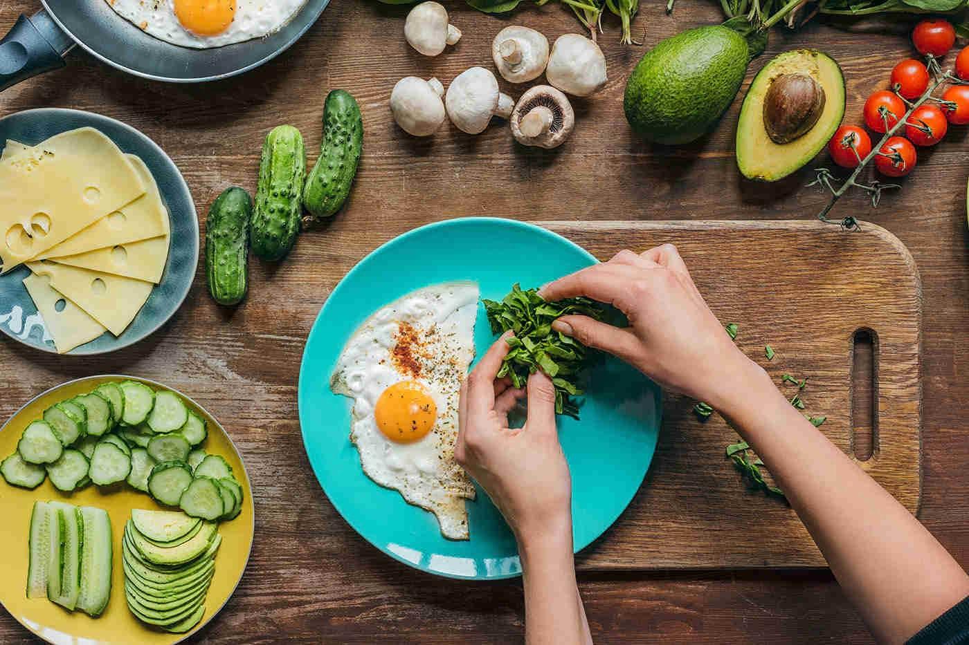 Ceaiul verde, proteinele și somnul - aliații dietei tale