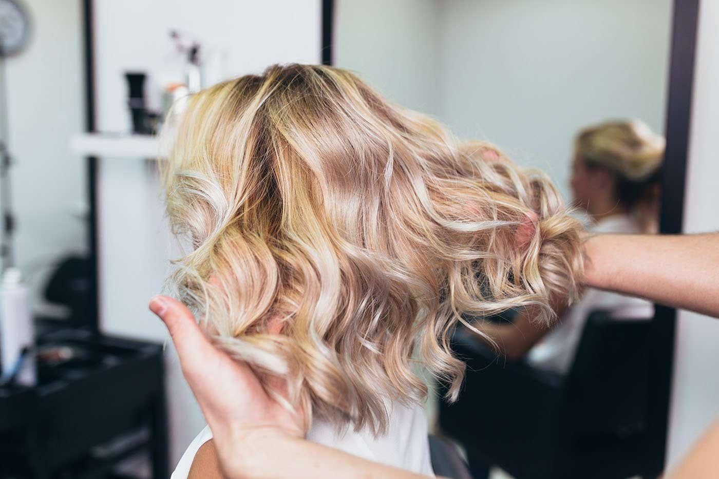 Cum îngrijești părul după sezonul estival
