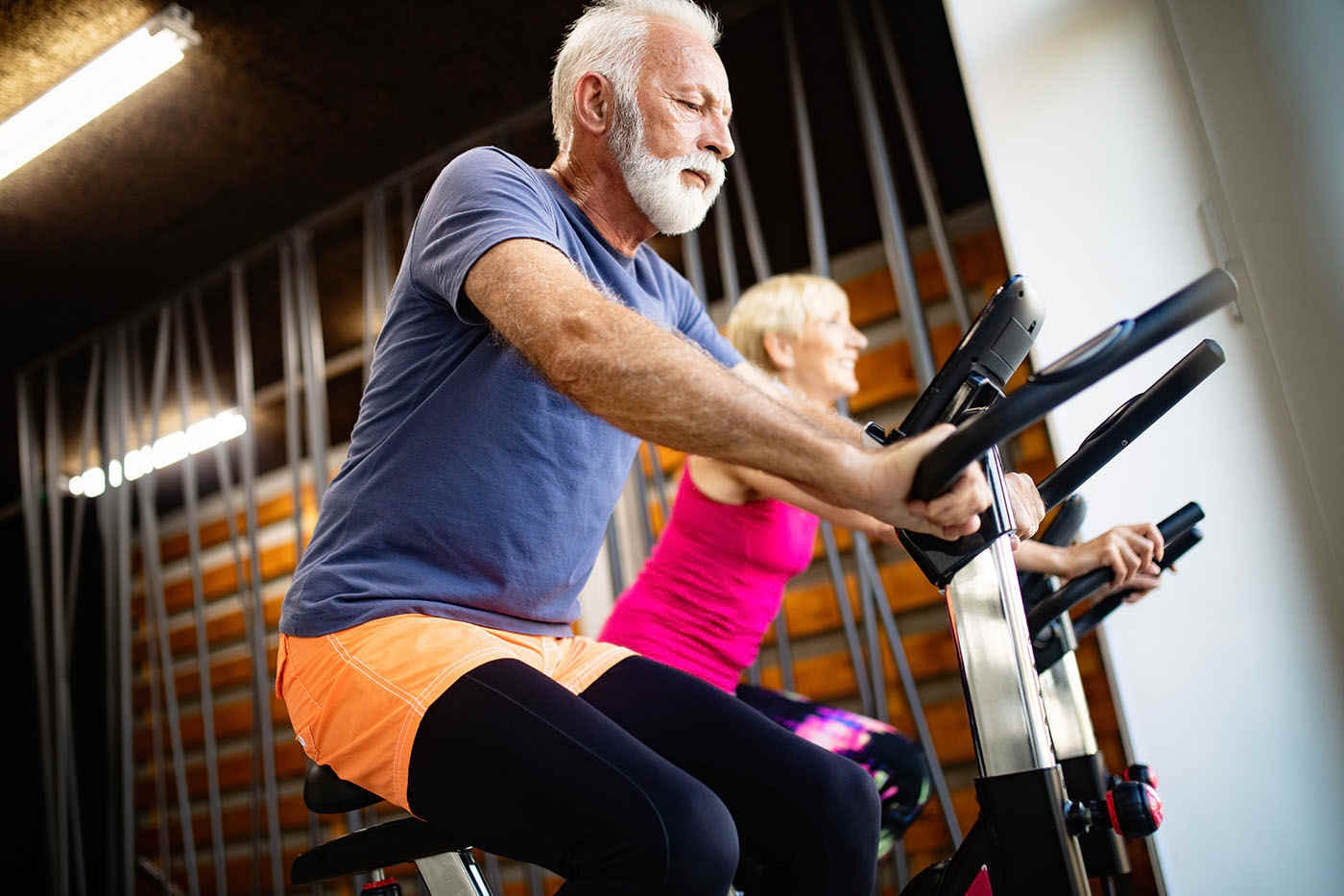Exercițiile aerobice ar putea reduce declinul cognitiv la bolnavii de Alzheimer [studiu]