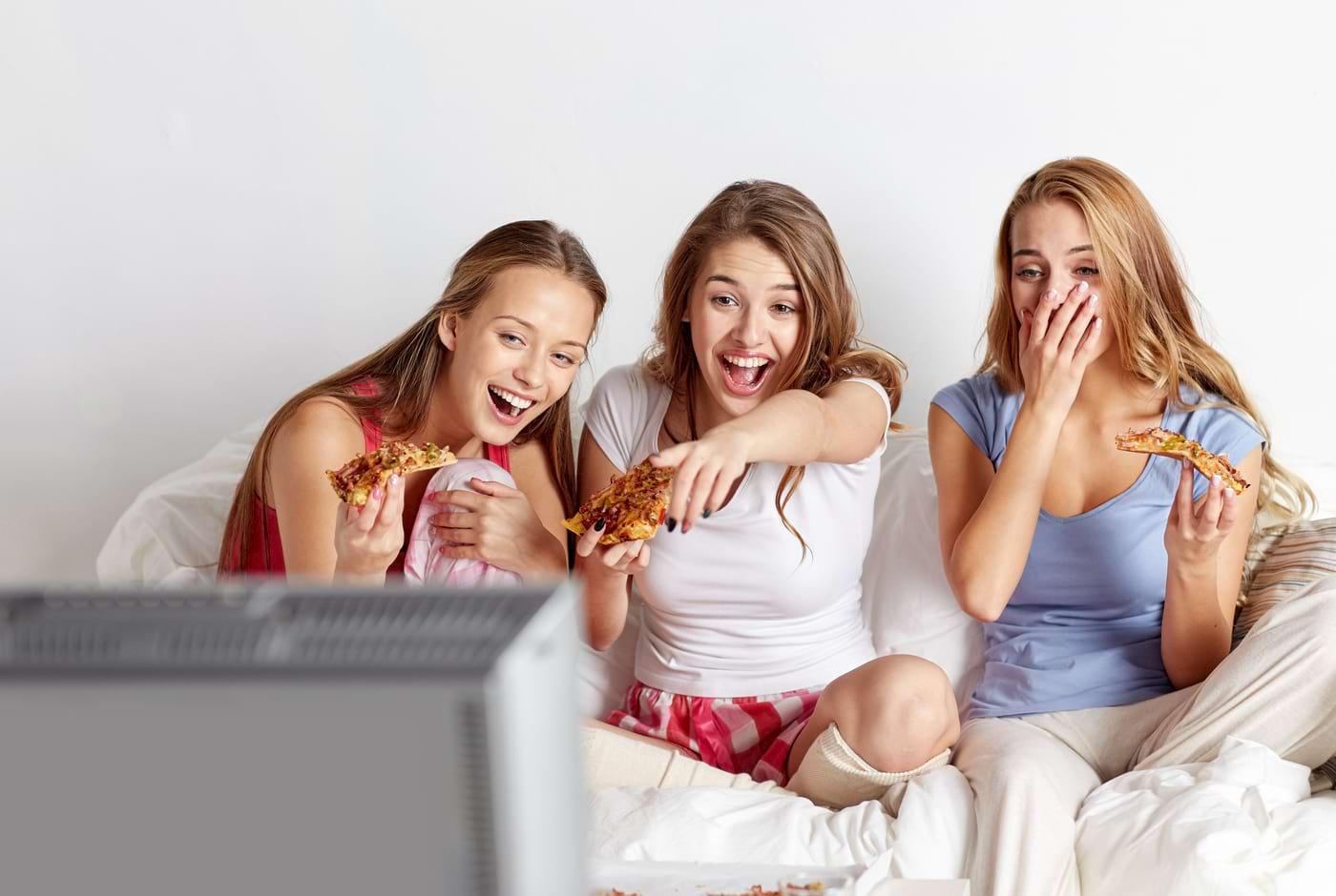 Cum influențează expunerea TV activitatea sexuală a adolescenților?