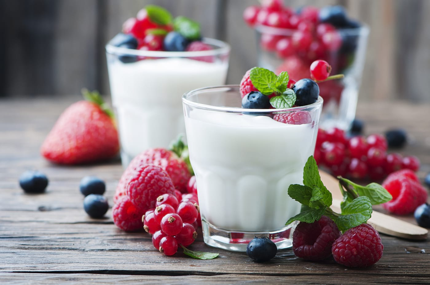 Iaurt cu fructe = love