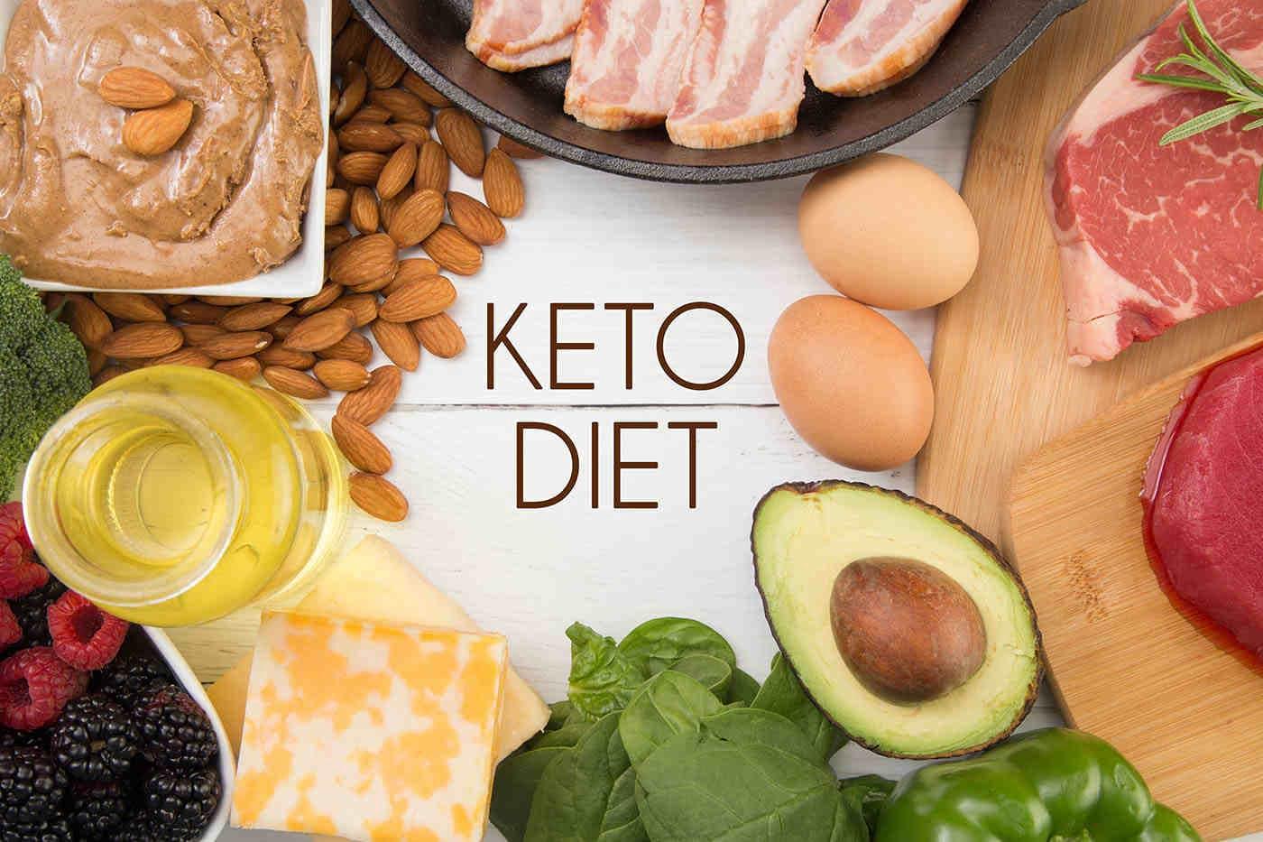 Simptomele menopauzei ar putea fi ușurate cu dieta keto?