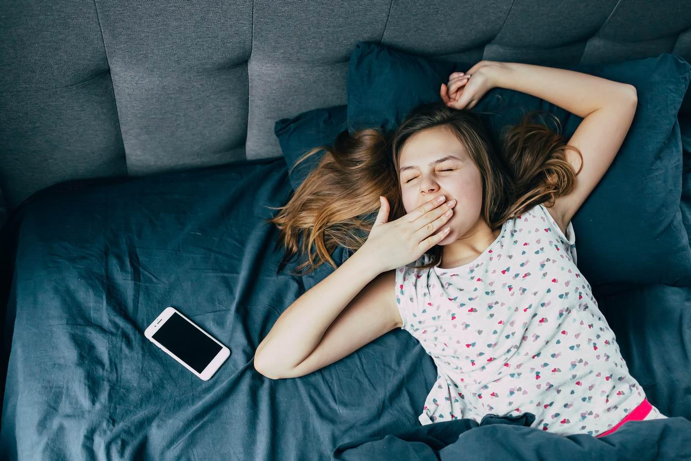 Somnul insuficient și riscul de comportament sexual periculos