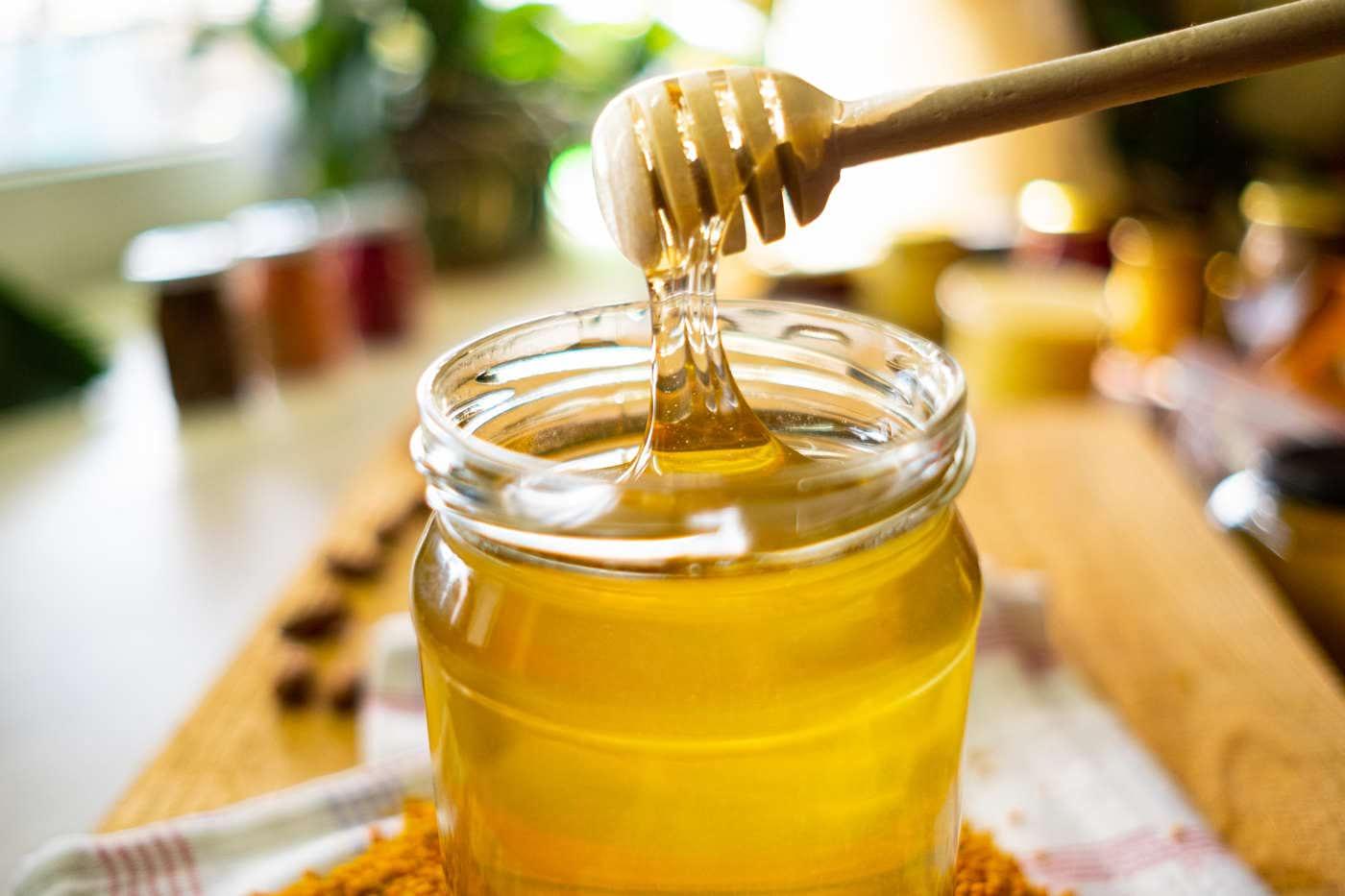 Când se introduce mierea în alimentația bebelușului?