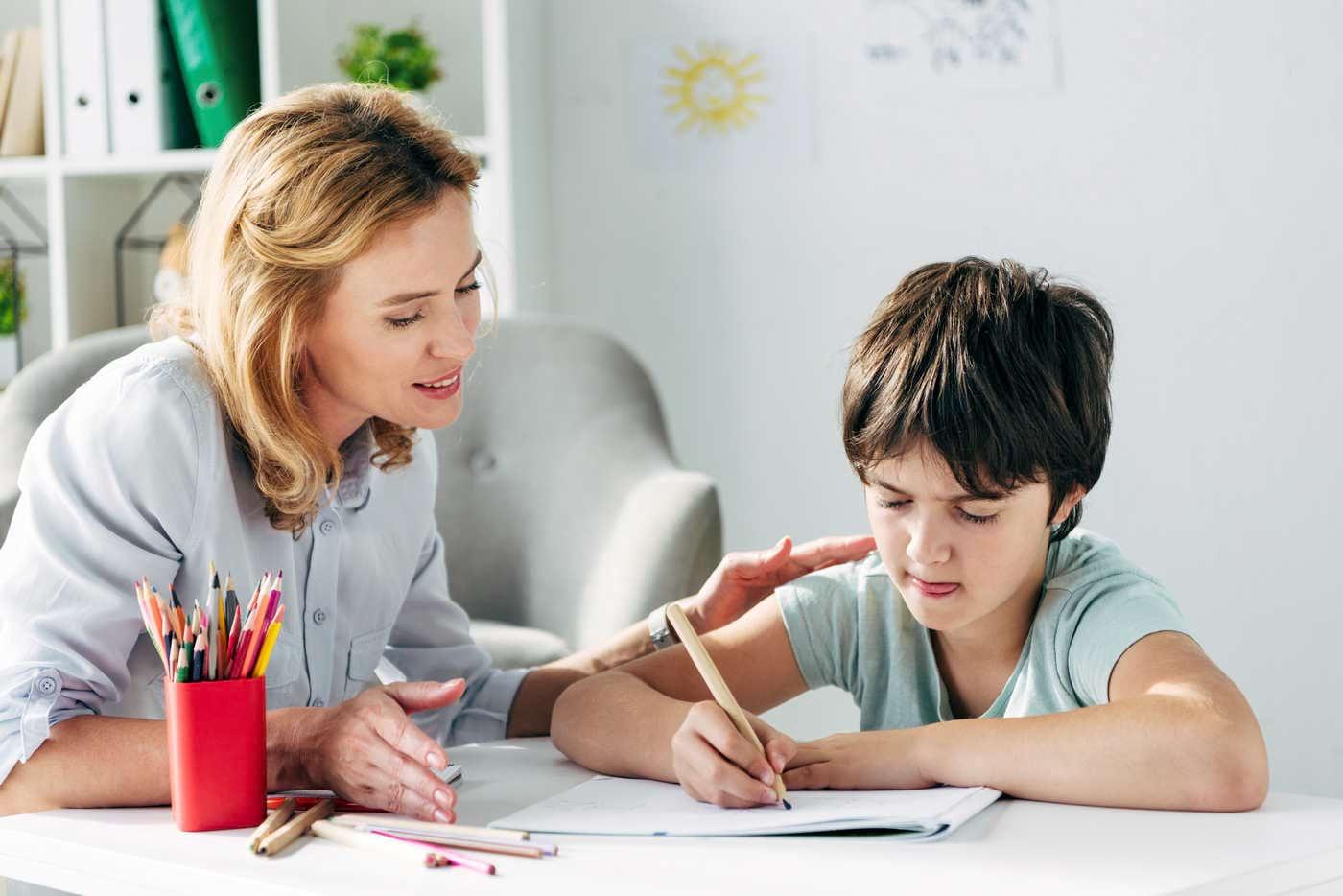 Copiii cu dislexie prezintă răspunsuri emoționale mai puternice [studiu]