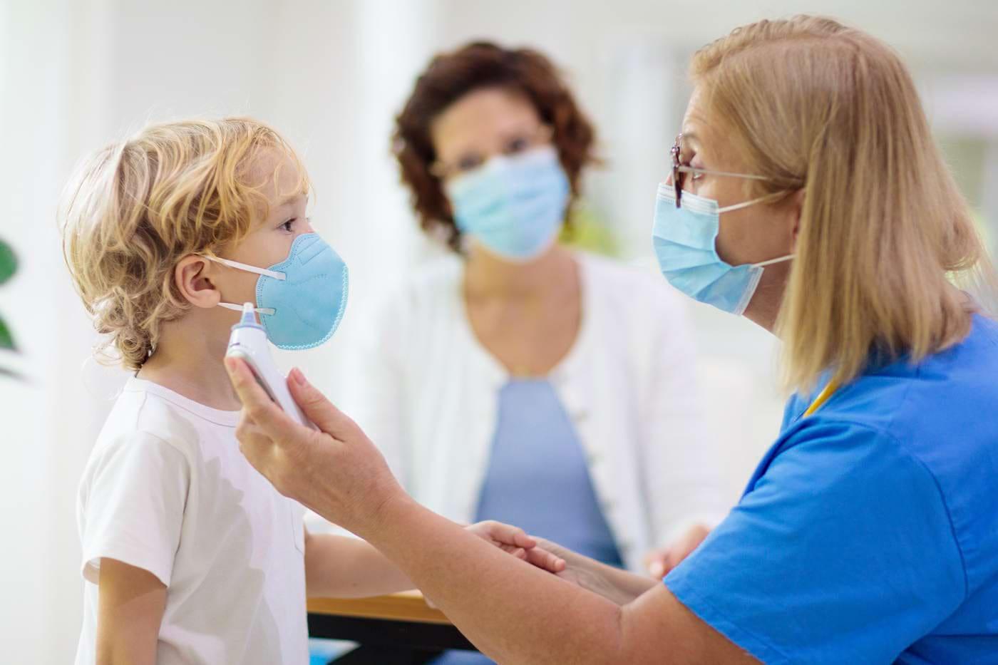 COVID-19: Copiii produc anticorpi diferiți ca răspuns la SARS-CoV-2 [studiu]