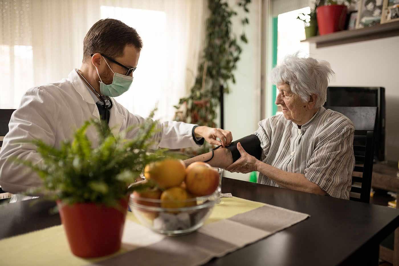 Hipertensiunea la adulții de orice vârstă poate accelera declinul cognitiv [studiu]
